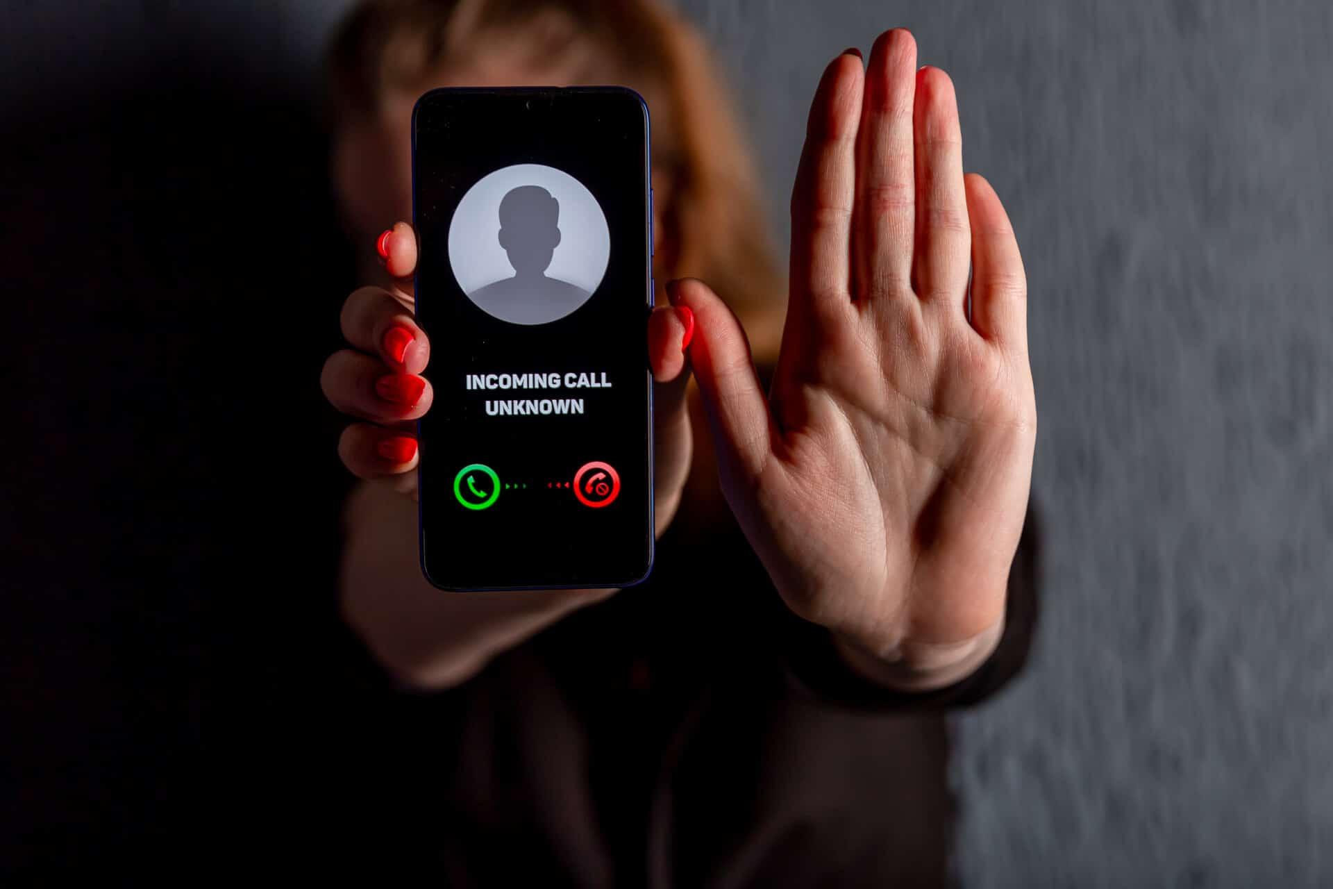 Vishing e telefono che squilla come accorgersi della truffa e sapersi proteggere